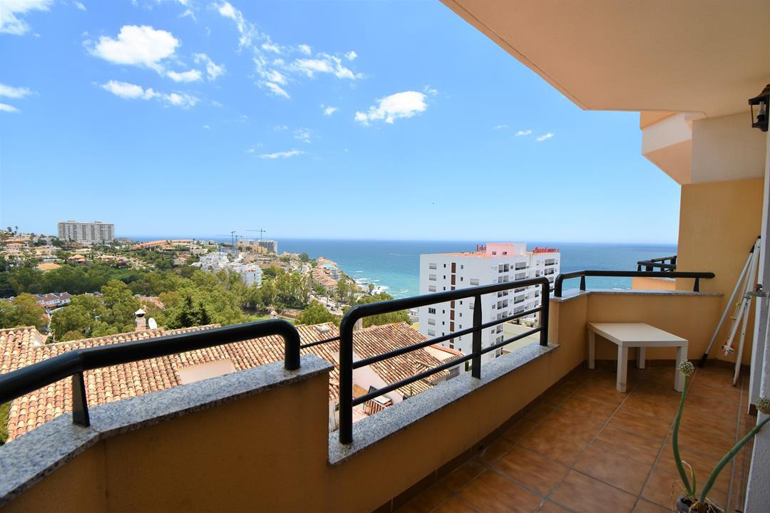 Middle Floor Apartment, Benalmadena Costa, Costa del Sol. 2 Bedrooms, 2 Bathrooms, Built 126 m², Ter,Spain