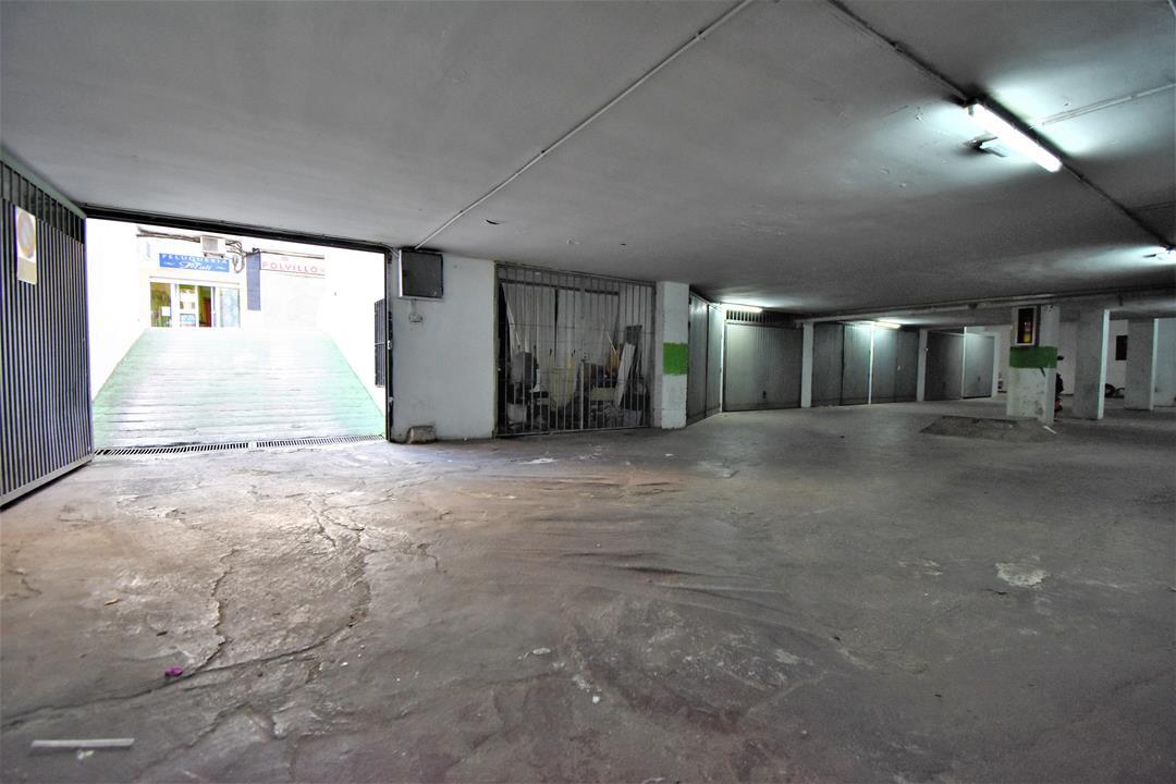 Garage, Arroyo de la Miel, Costa del Sol. Built 554 m².  Setting : Commercial Area, Close To Shops, ,Spain