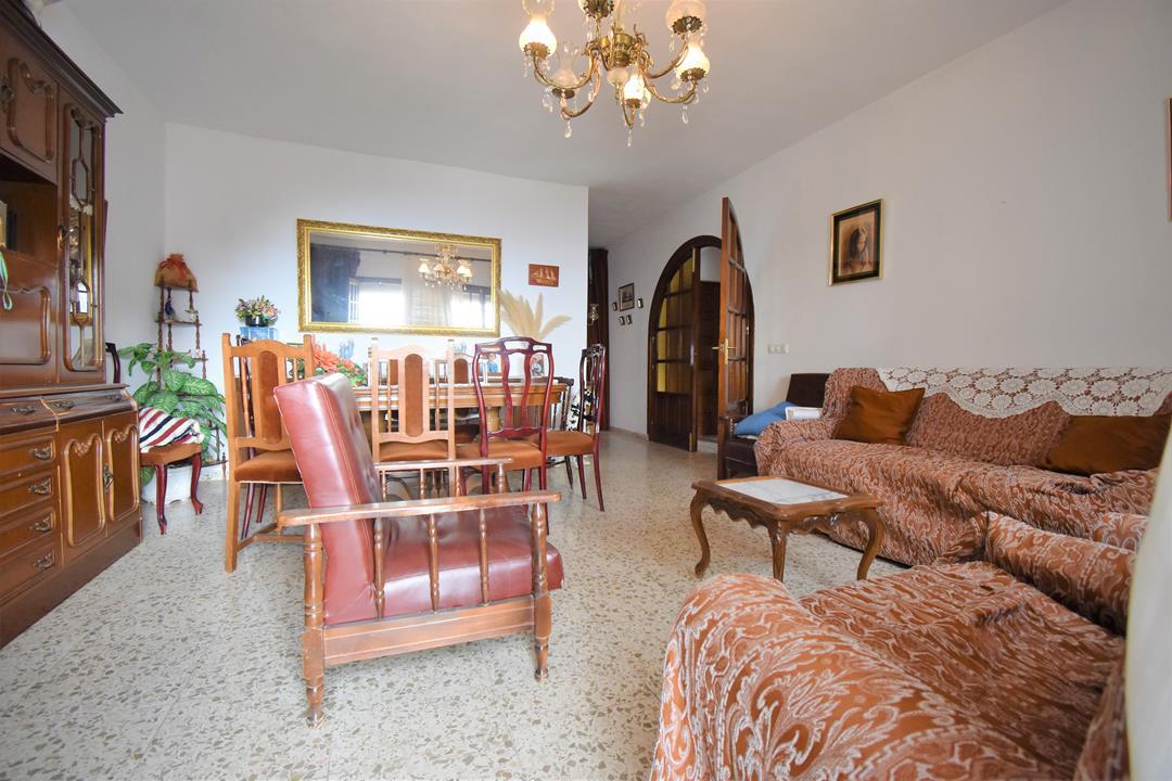 Apartamento con 4 Dormitorios en Venta Mijas