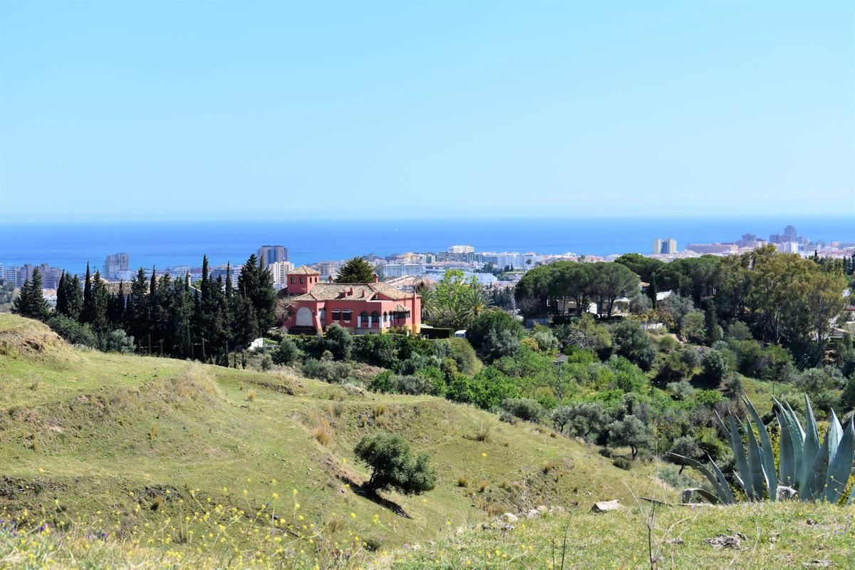 Land, Mijas, Costa del Sol. Garden/Plot 13000 m².  Setting : Mountain Pueblo. Orientation : South. V,Spain