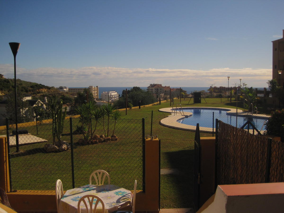 Lovely one bed duplex in Torrequebrada with direct access to the communal pool from the terrace, vie,Spain