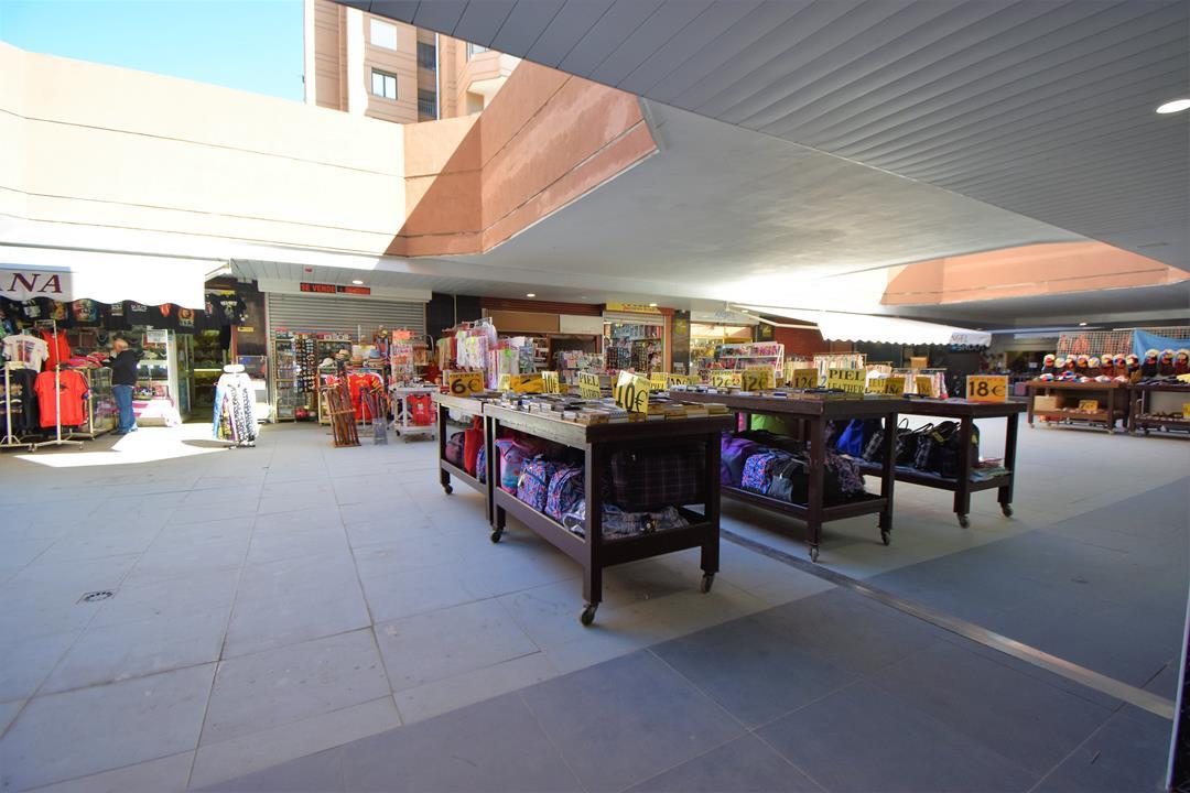 Shop, Fuengirola, Costa del Sol. 1 Bedroom, 1 Bathroom, Built 50 m².  Setting : Beachfront, Commerci,Spain