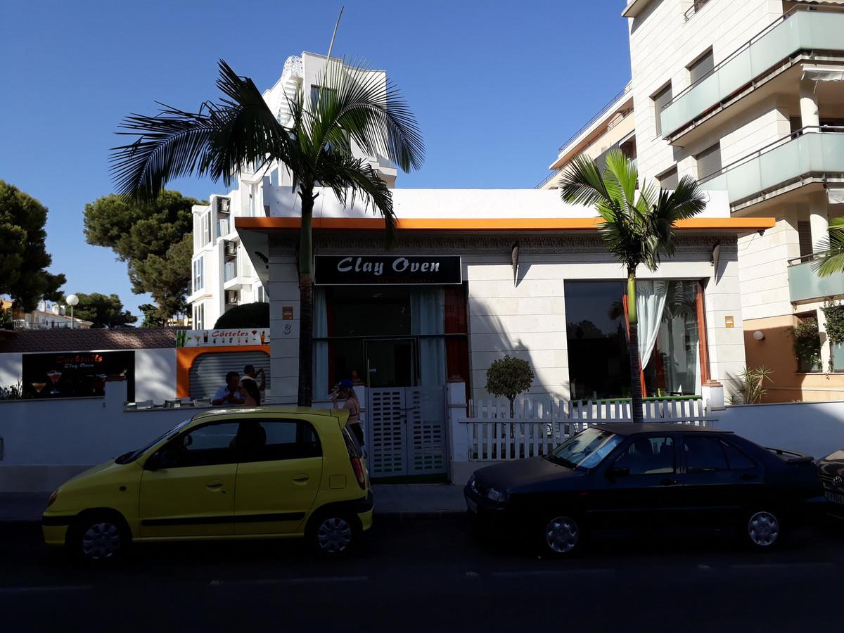 Commercial premises made a restaurant near Puerto Marina in Benalmadena. It has a floor area of 230 ,Spain