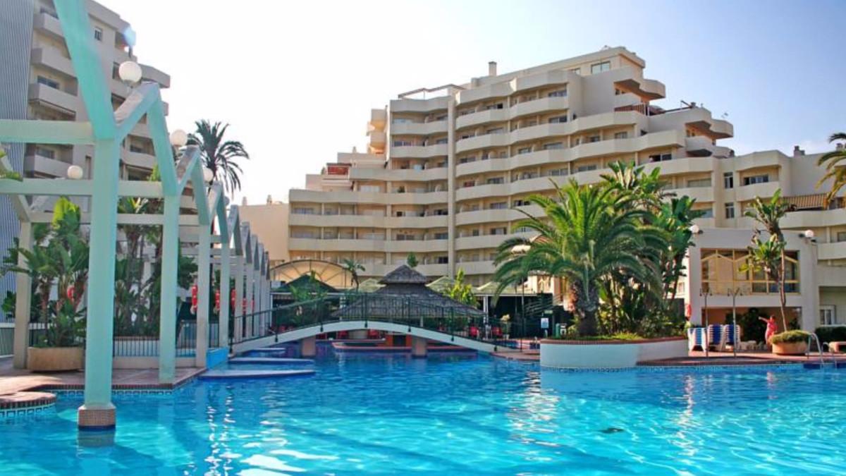 Beautiful apartment in Benalmadena-Costa next to Parque e la Paloma, located in a closed complex res,Spain