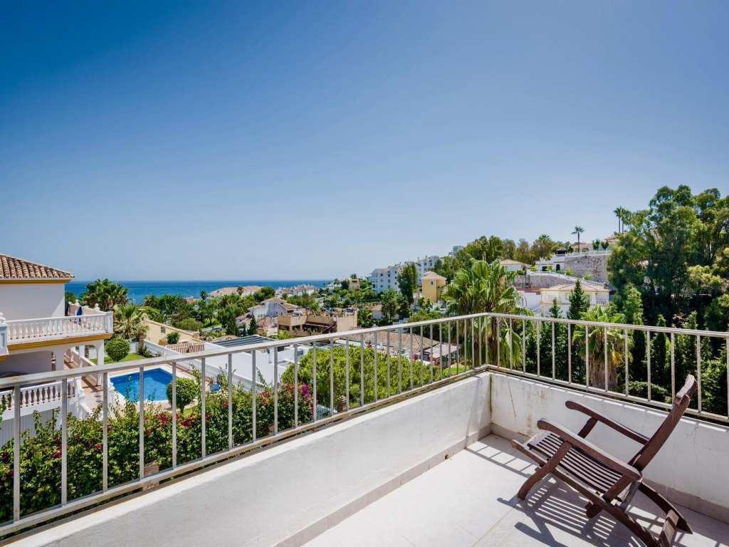 Detached Villa, Torrenueva, Costa del Sol. 6 Bedrooms, 6 Bathrooms, Built 406 m², Garden/Plot 710 m²,Spain