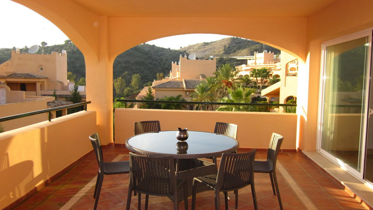 3 bedroom apartment for long term rental in Elviria: This superb rental apartment in Marbella is loc,Spain
