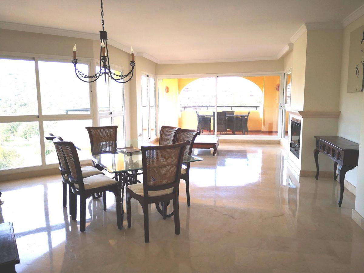 Appartement  Penthouse en location  à Elviria