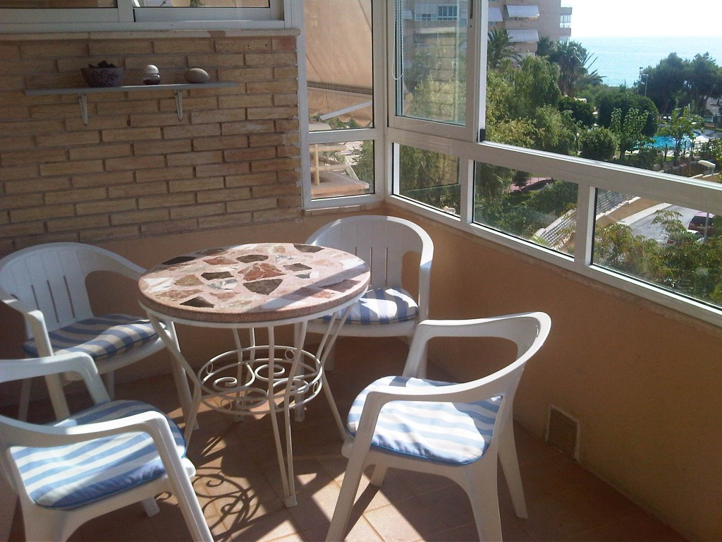 OPPORTUNITY! Cosy apartment in front line located on a East facing building beach of Almadraba, a pr,Spain