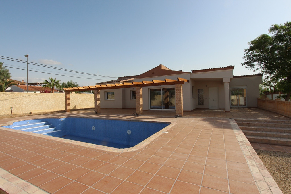 Detached Villa, Muchamiel, Costa Blanca. 4 Bedrooms, 3 Bathrooms, Built 188 m², Terrace 120 m², Gard,Spain