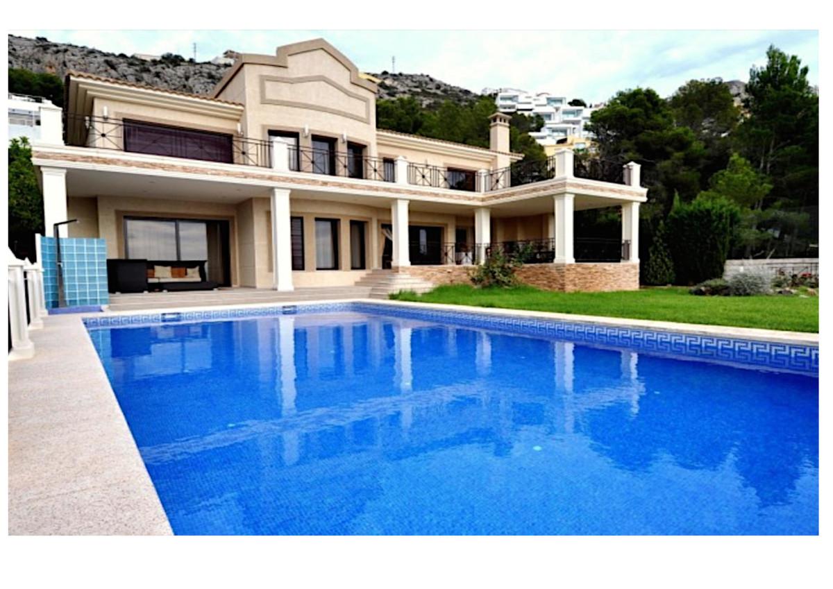 Luxurious villa in the prestigious Altea Hills residencial area located in the heart of the Costa Bl,Spain