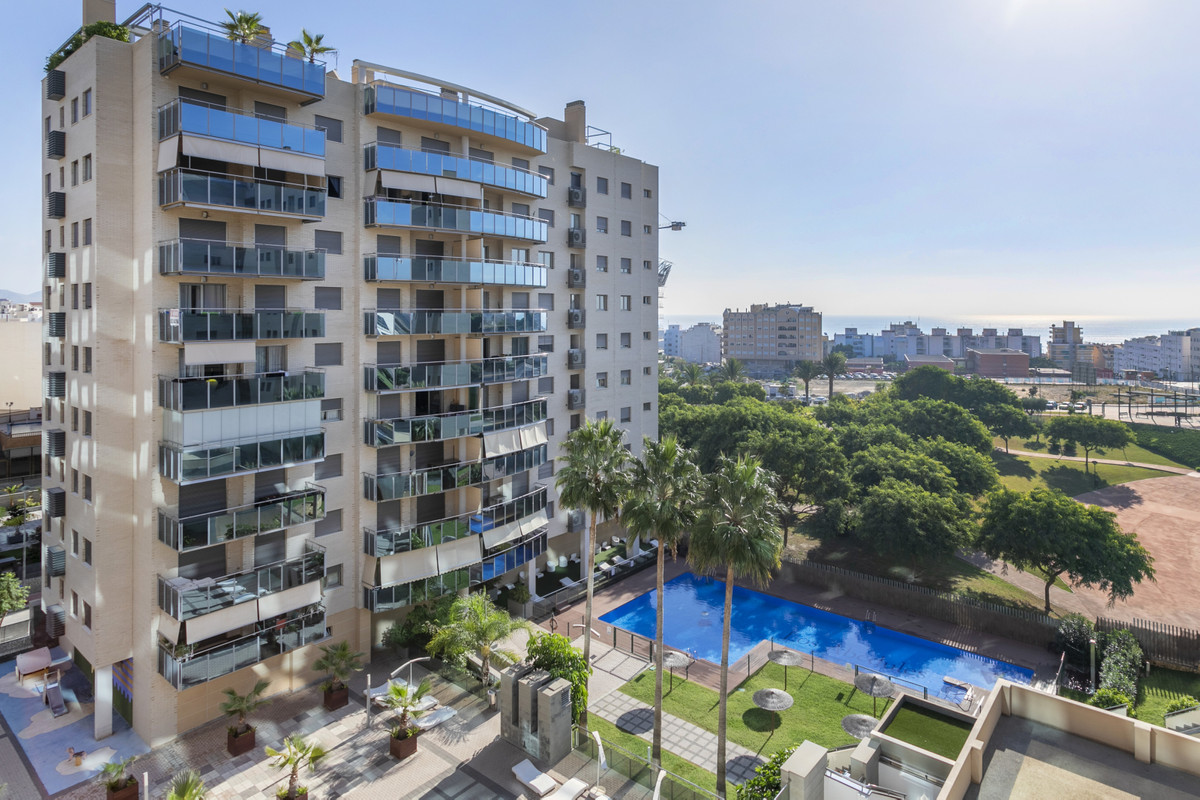 Impeccable apartment in one of the most luxurious residences in the heart of El Campello.  This 3 be,Spain