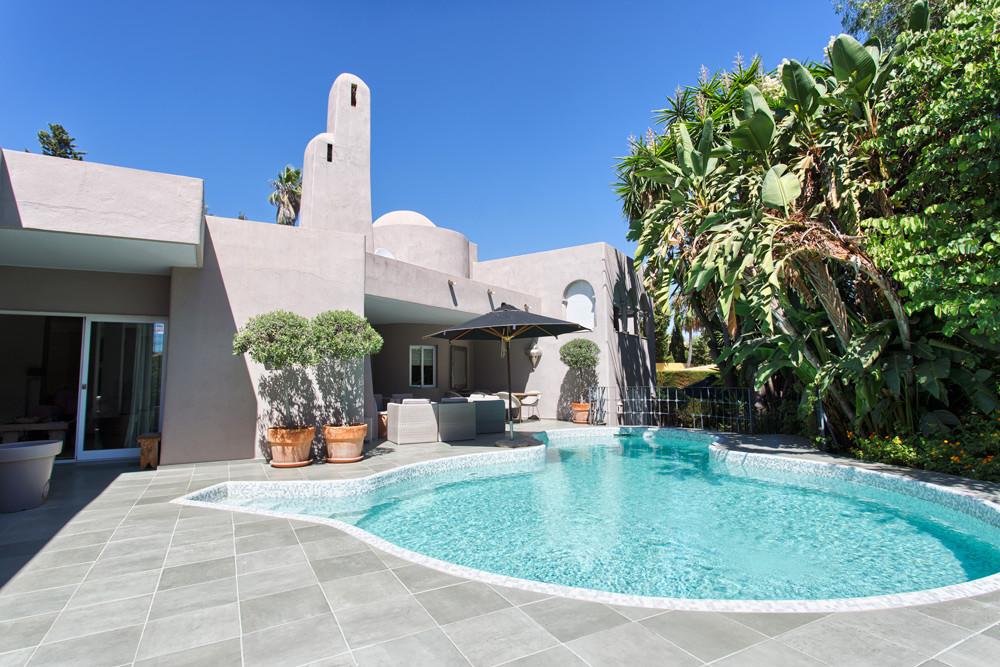 Freistehende Villa in Atalaya R2982989