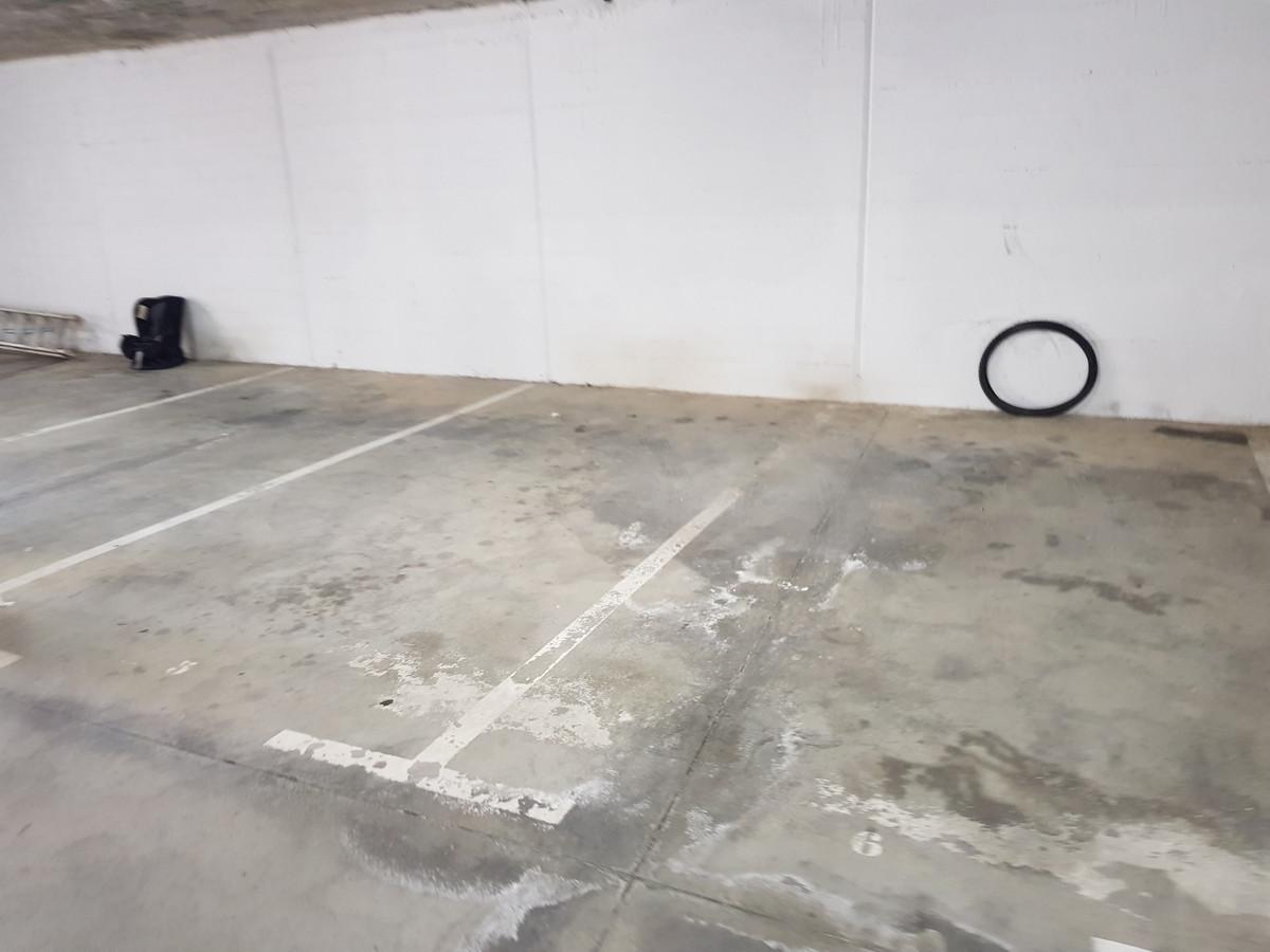 Comercial Garaje 0 Dormitorio(s) en Venta La Duquesa