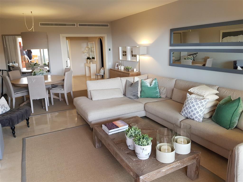 Large Corner front line beach 3 bedroom apartment. Middle Floor Apartment, La Duquesa, Costa del Sol,Spain