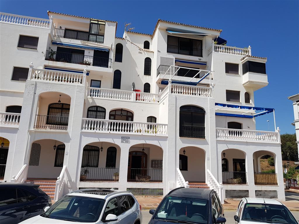 Ground Floor Apartment, La Duquesa, Costa del Sol. 2 Bedrooms, 1 Bathroom, Built 70 m².  Setting : P,Spain
