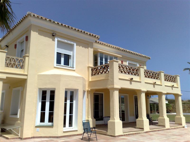 Villa 5 Dormitorios en Venta Casares Playa