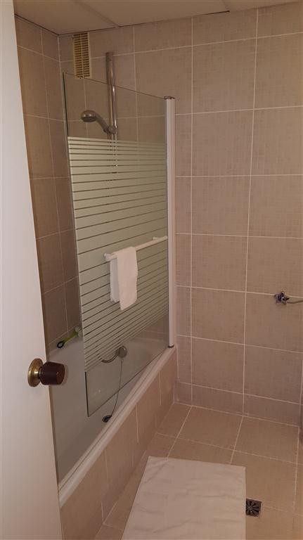 Apartamento con 4 Dormitorios en Venta La Duquesa