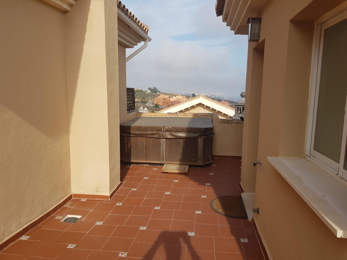 Townhouse Terraced in La Duquesa, Costa del Sol
