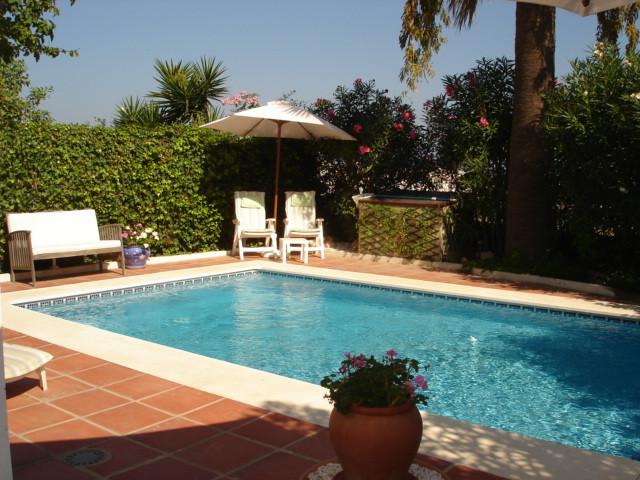 House in La Duquesa R35233 2