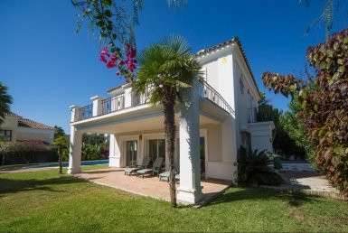 Freistehende Villa in La Duquesa R138257