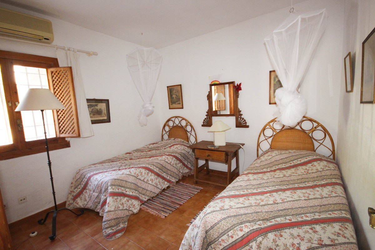 House in Benahavís R2544653 10