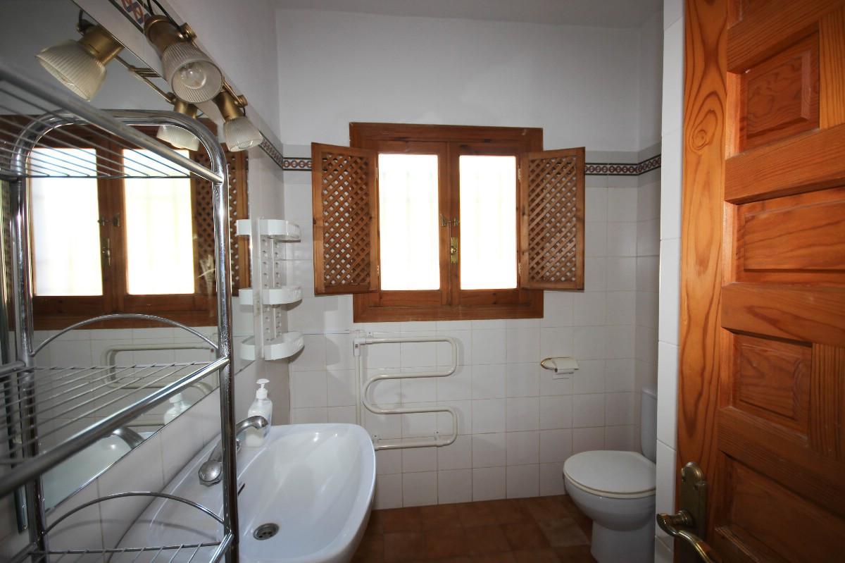 House in Benahavís R2544653 11