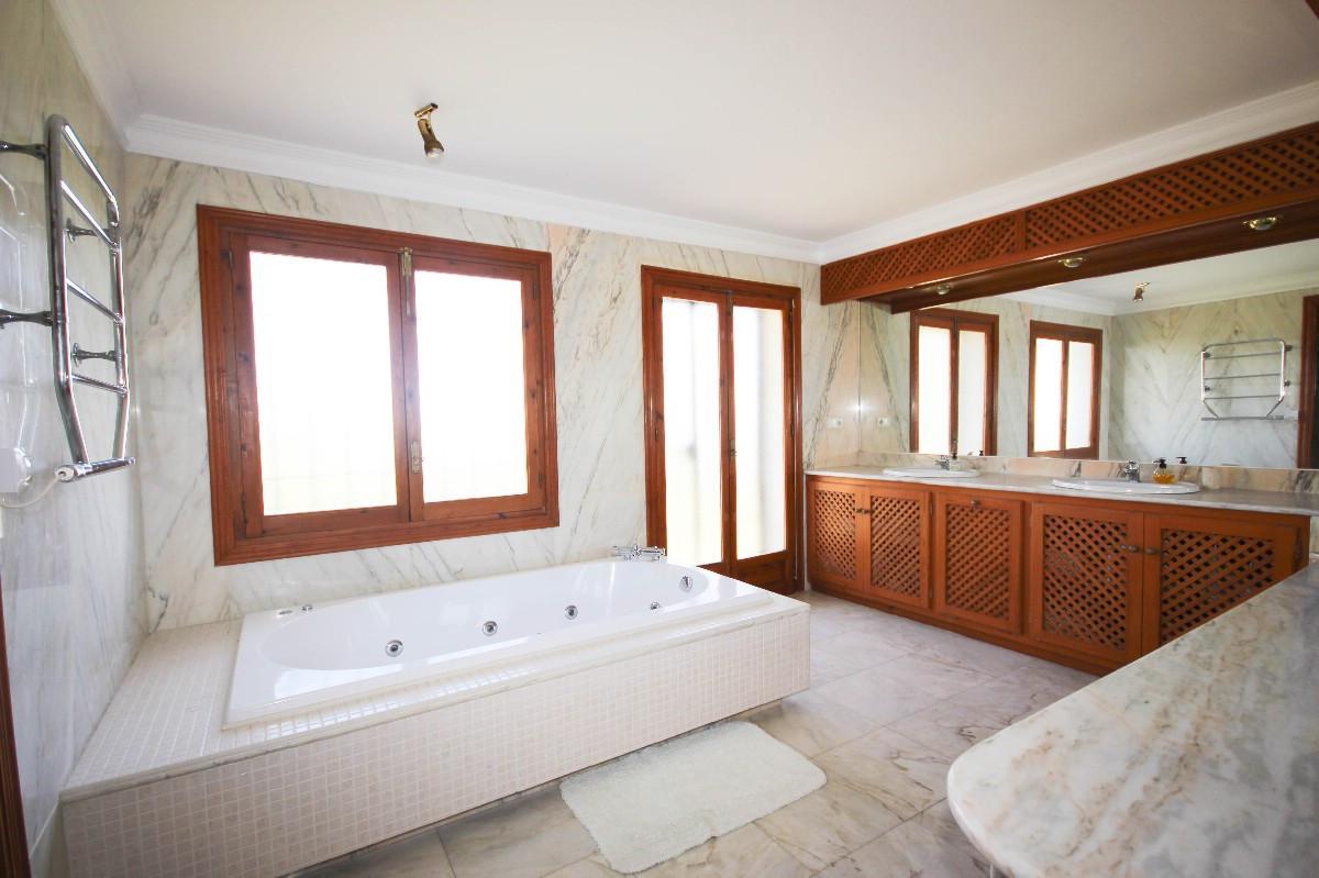 House in Benahavís R2544653 17