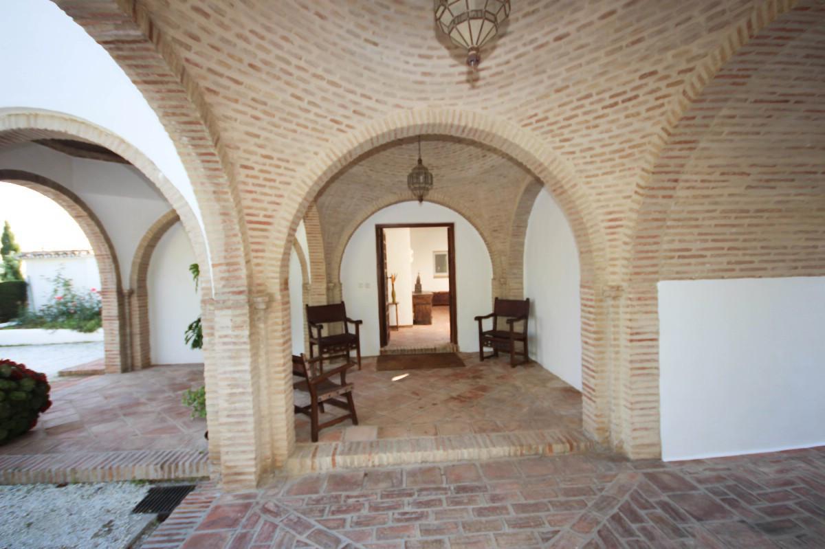 House in Benahavís R2544653 3