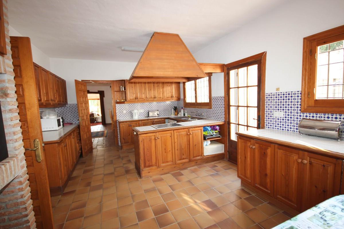 House in Benahavís R2544653 5