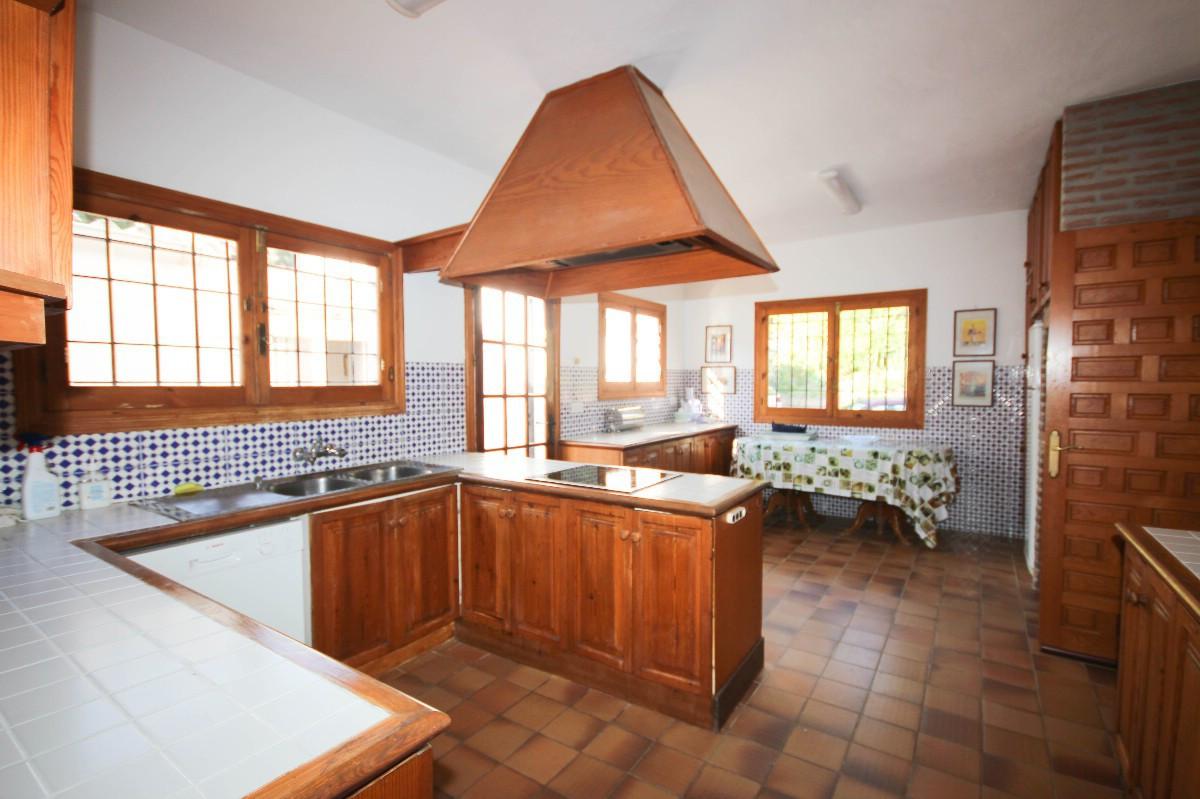 House in Benahavís R2544653 8