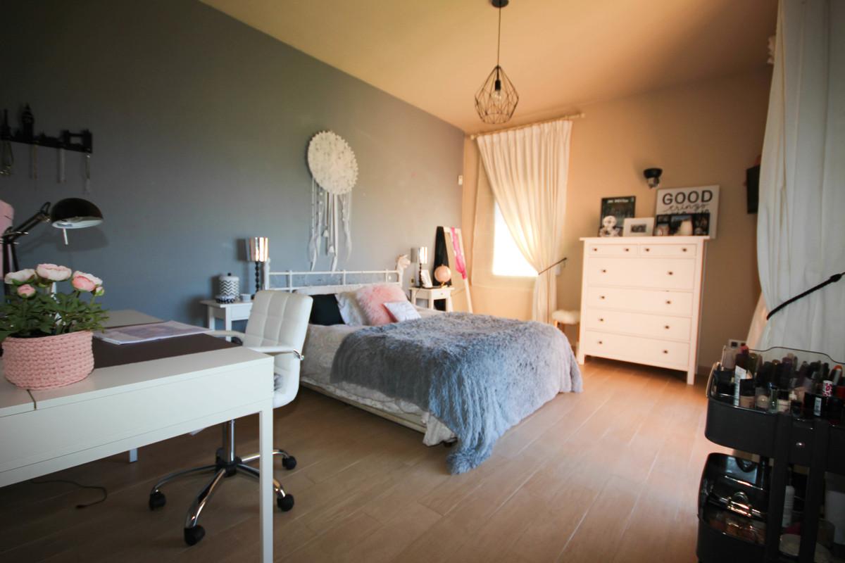 6 Bedroom Detached Villa For Sale Marbella