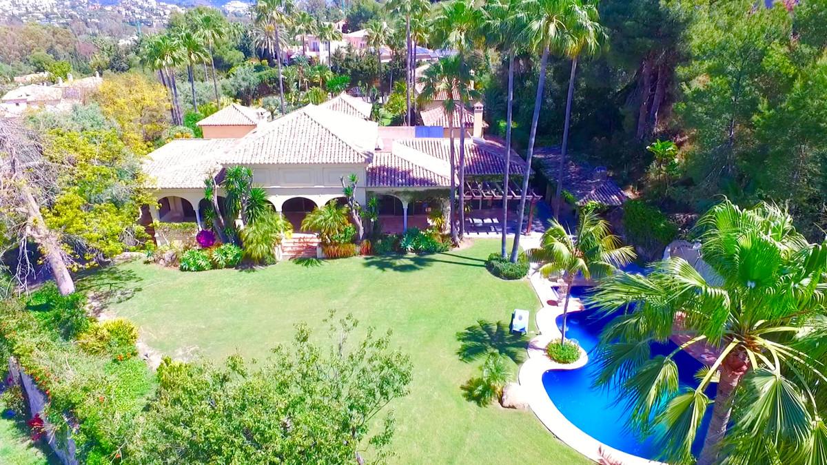 VillaDetachedfor salein El Paraiso