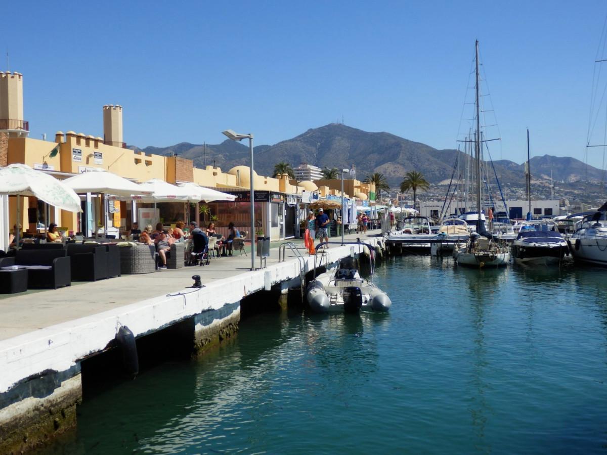 Restaurant, Fuengirola, Costa del Sol. Built 135 m², Terrace 60 m².  Setting : Beachfront, Town, Por,Spain