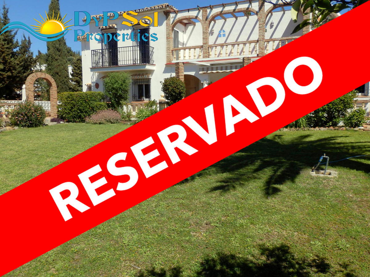 Nice and spacious villa at Urb. La Sierrezuela, Mijas Costa. Close to shops and restaurants. 2 bedro,Spain