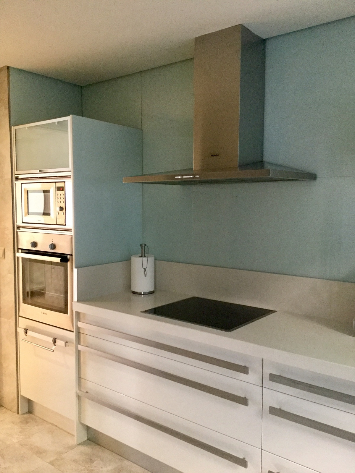 Middle Floor Apartment, Nueva Andalucia, Costa del Sol. 2 Bedrooms, 2 Bathrooms, Built 131 m², Terra,Spain