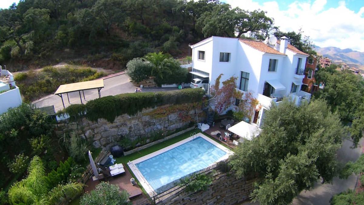 Detached Villa for sale in La Mairena R3657692