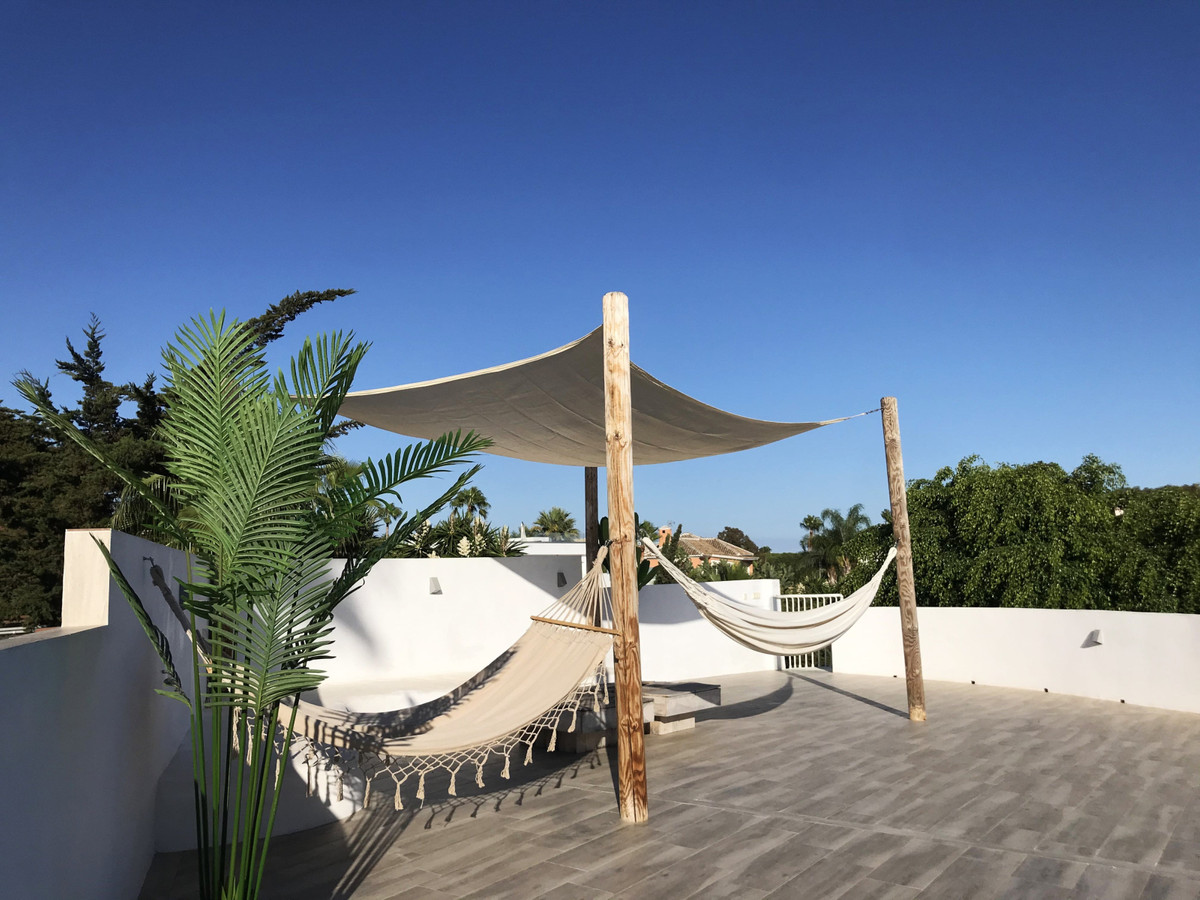 Villa Til salgs i Marbesa R3689867