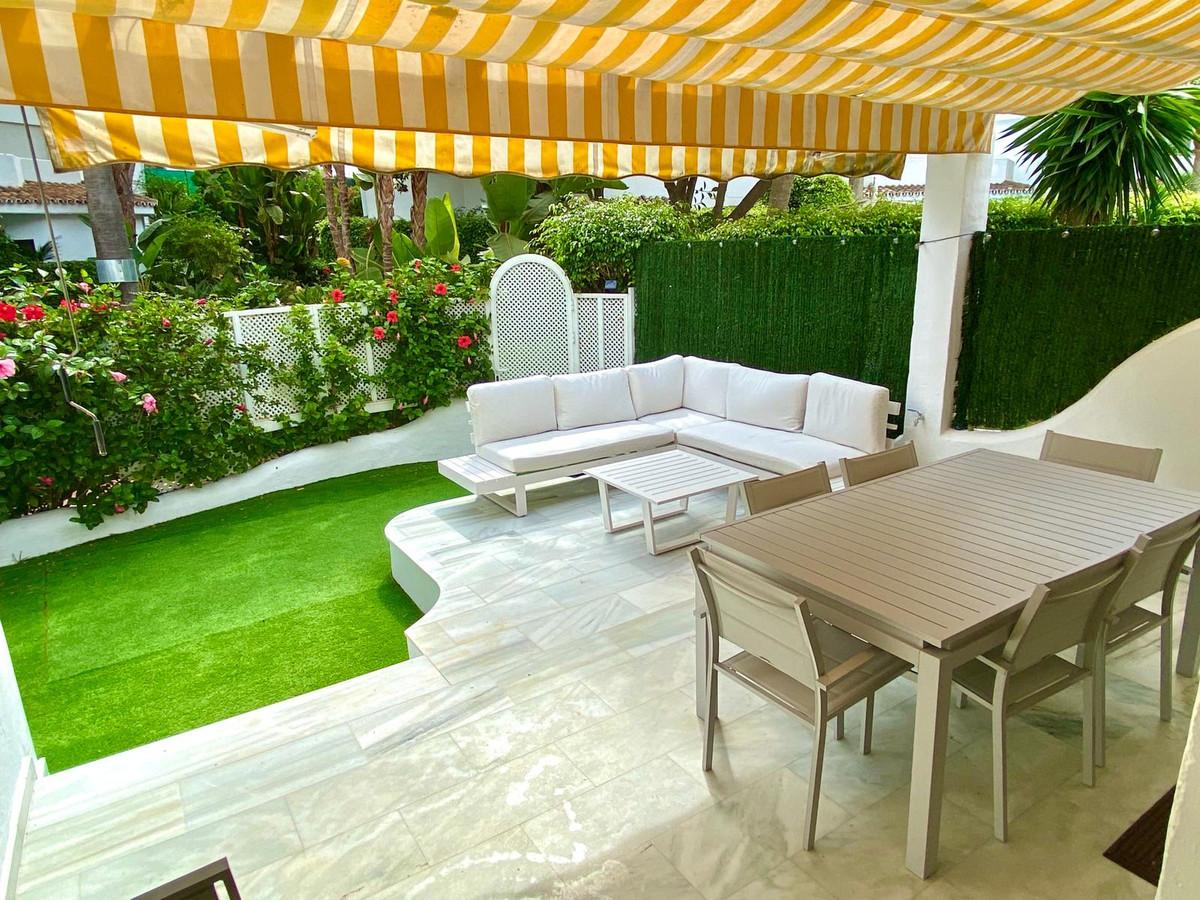 Apartamento  Planta Baja en venta   en Elviria