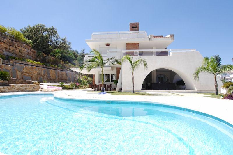 Villa 6 Dormitorios en Venta La Mairena