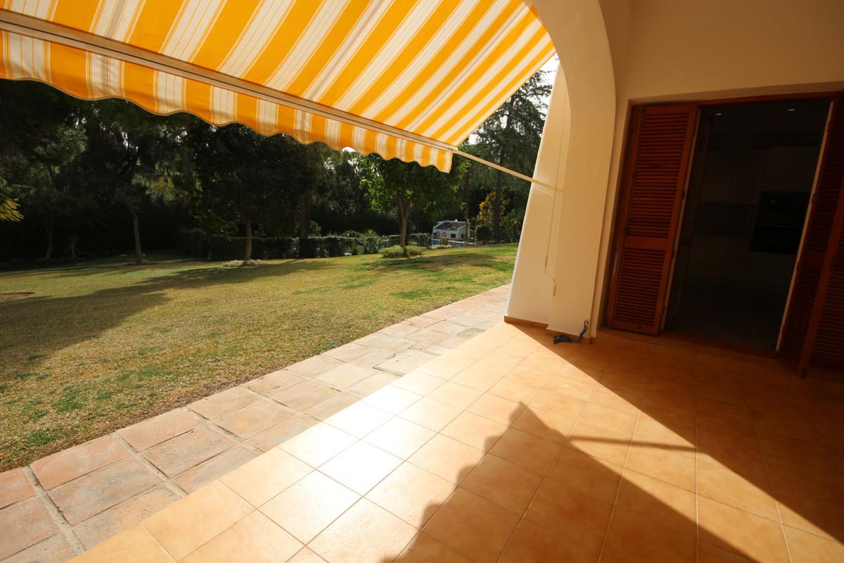 Apartamento Planta Baja en Nueva Andalucía, Costa del Sol