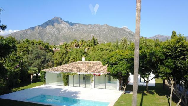 4 Bed Villa For Sale in Sierra Blanca
