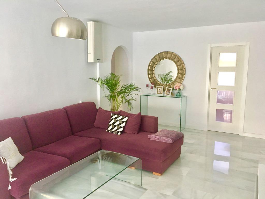 Apartamento, Planta Baja  en venta    en Guadalmina Baja