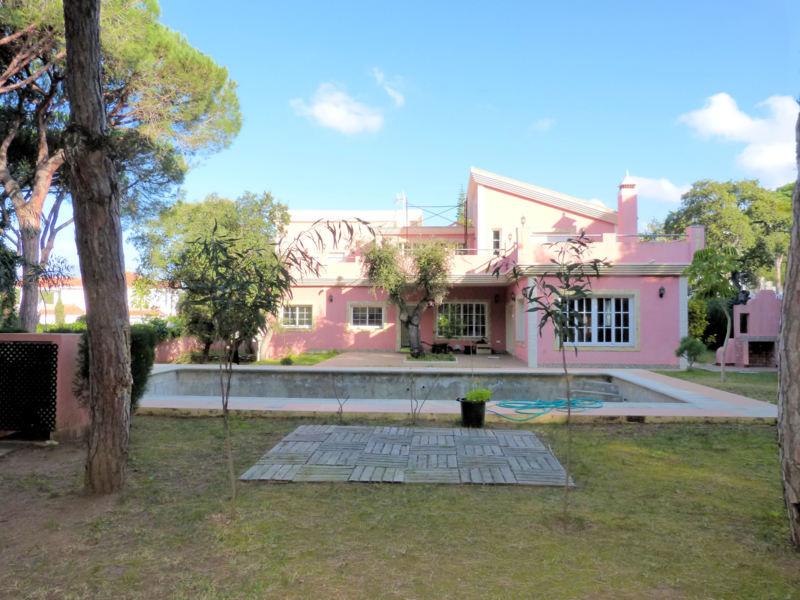 Excelente villa a estrenar ubicada en Urbanizacion Hacienda Las Chapas , una de las areas mas presti,Spain