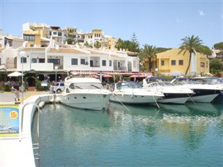 Restaurant for sale in full domain, located on the front line of the Port of Cabopino It has functio,Spain