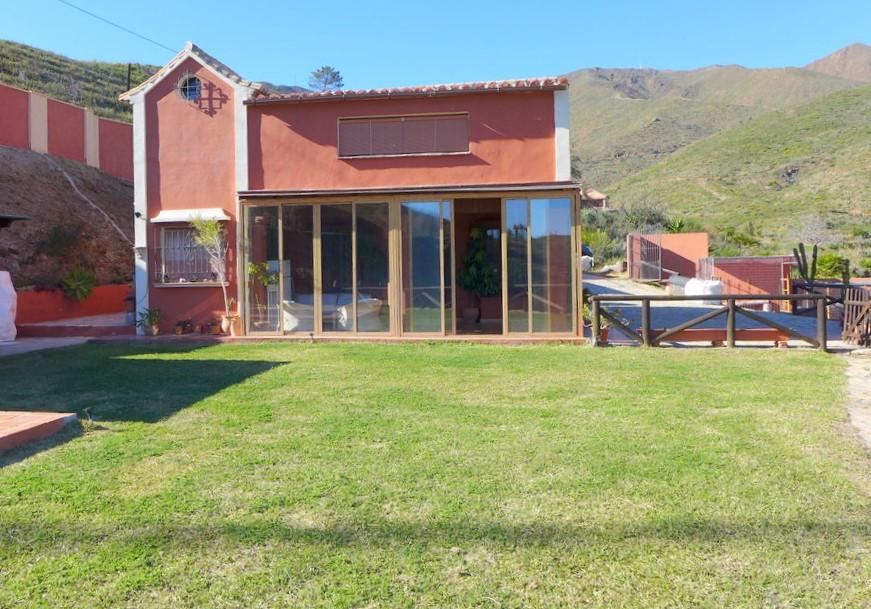 Villa, Finca  for sale    en La Mairena