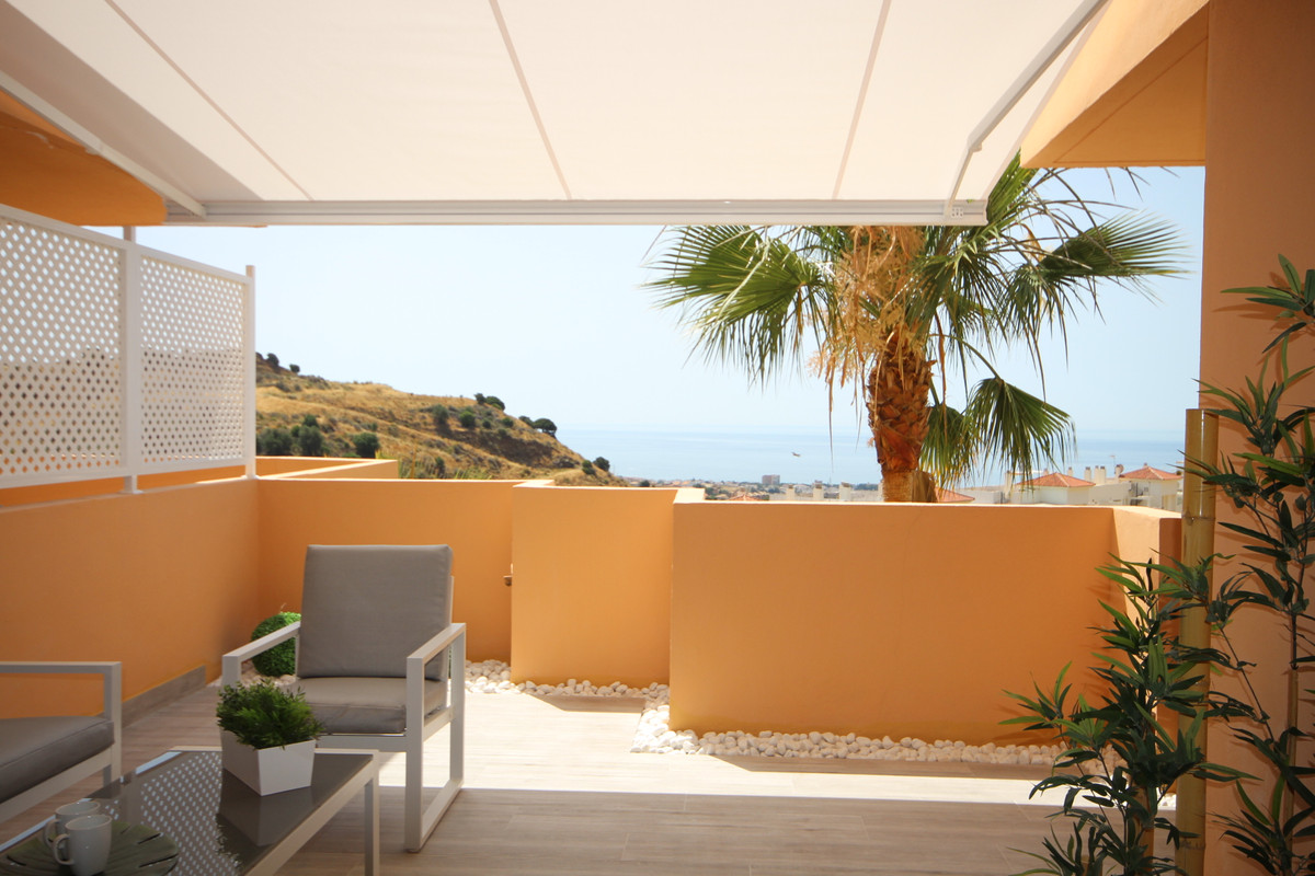 FANTASTIC PROPERTY IN CALAHONDA, MIJAS COSTA WITH SEA VIEWS !!!  TOTALLY RENOVATED AND EQUIPPED.  IN,Spain