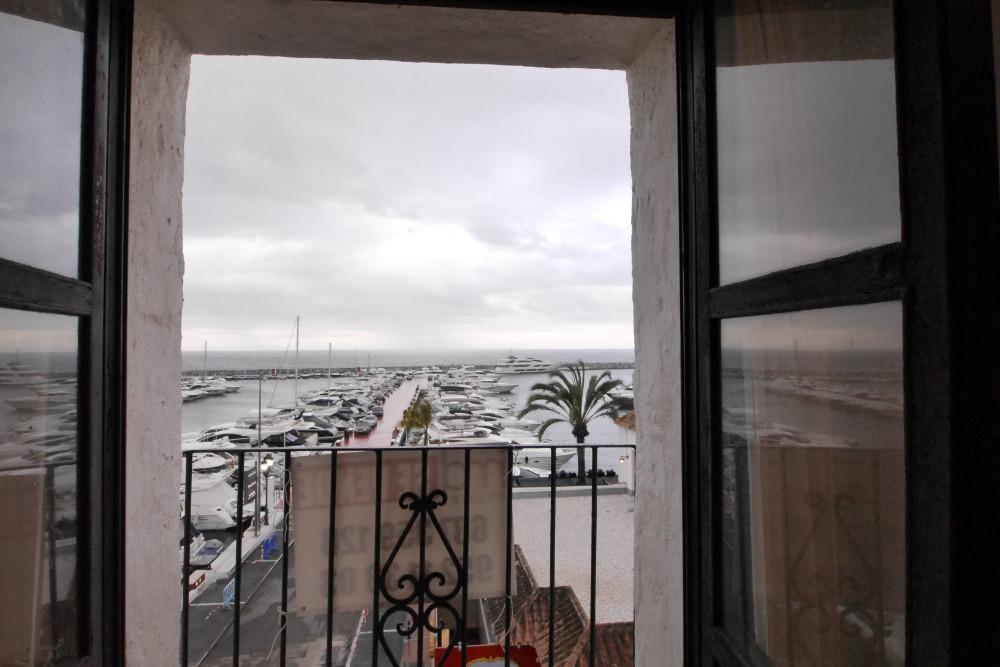 Apartamento con 1 Dormitorios en Venta Puerto Banús