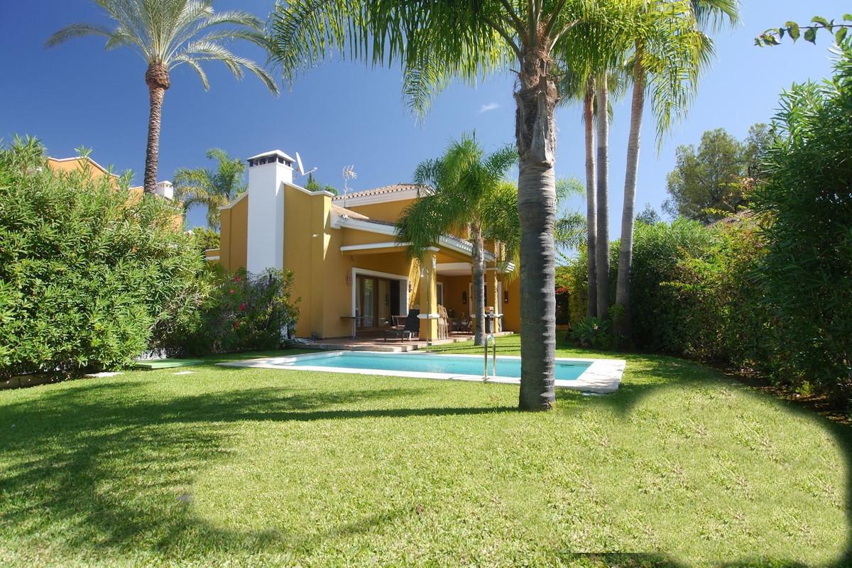 Detached Villa for sale in Nagüeles R2764430