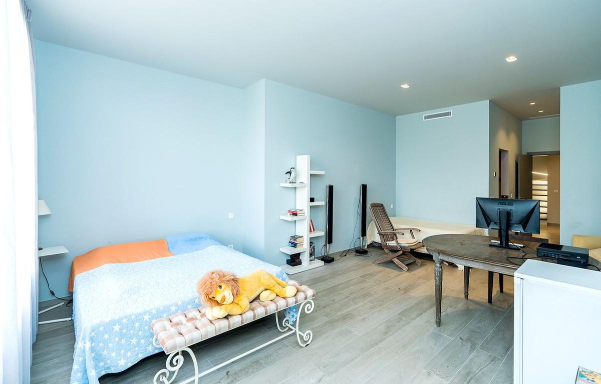 Hus in El Rosario R2732846 17