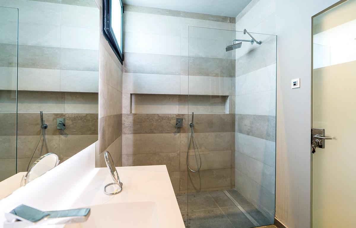 Hus in El Rosario R2732846 18